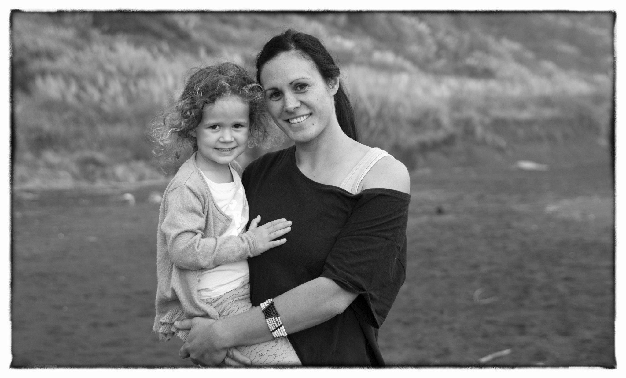 Rochelle & family- Wainui beach-169-Edit-2